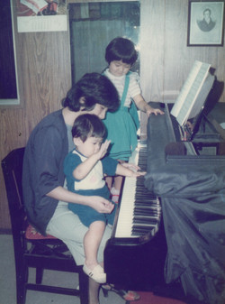 piano with kids