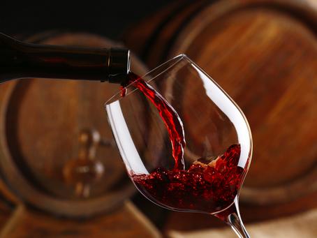 Vinho faz bem à saúde? Conheça os benefícios e riscos da bebida