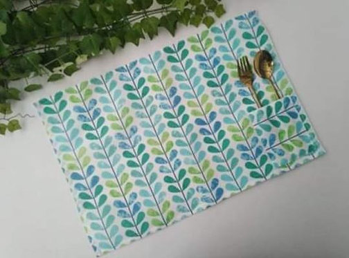 Placemats with Cutlery Holder Set 6