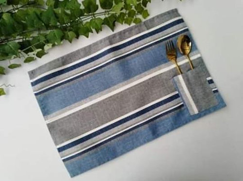 Placemats with Cutlery Holder Set 4