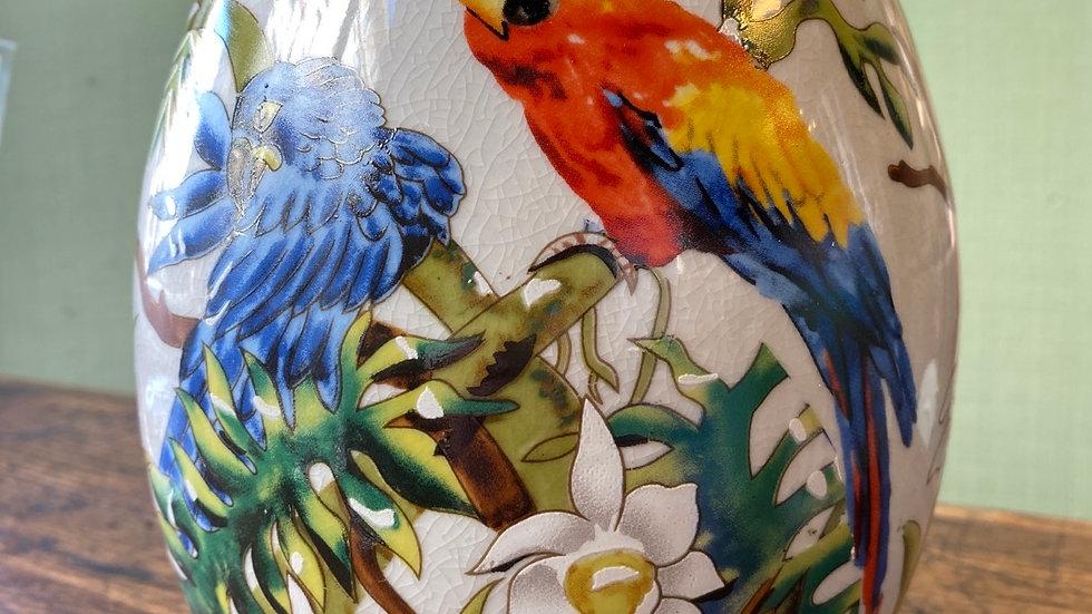 Uovo in  ceramica  pappagallo  grande