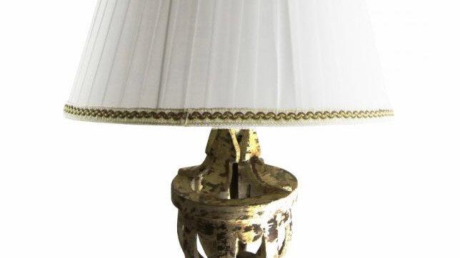 Lampada in legno invecchiato