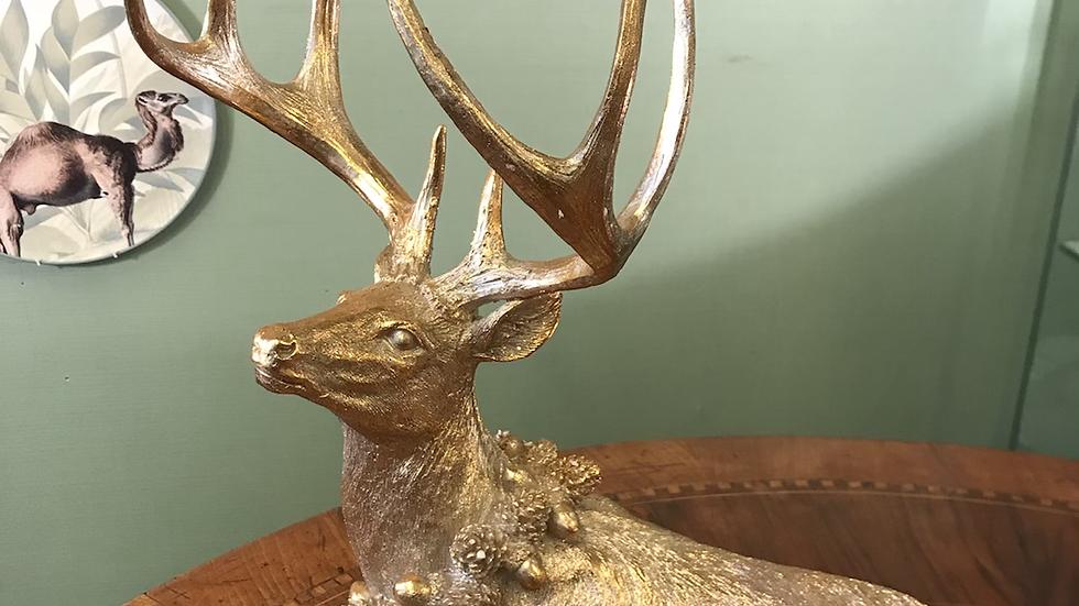 Renna dorata in resina 38cm x 40 h