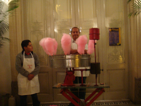 Cotton candy for guests