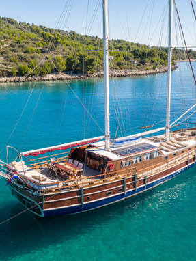 How to choose the right gulet for a charter in Croatia?Gulet Vito, Ardura, Nostra Vita...