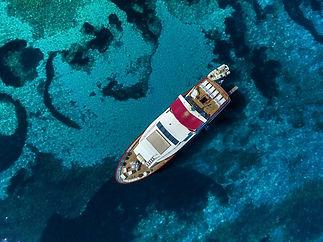 Motor_yacht_Korab_2.jpg