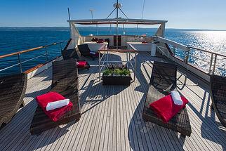 Motor_yacht_Korab_13.jpg