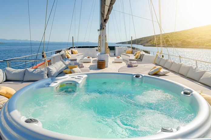 LG sun deck (6) .jpg