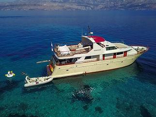 Motor_yacht_Korab_3.jpg
