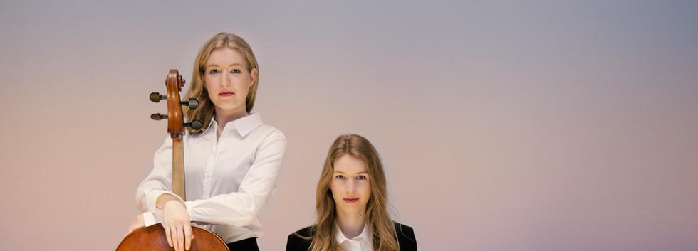 Anouchka & Katharina Hack © Felix Broede