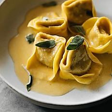 Tortellone Zucca, Salvia e Amaretto
