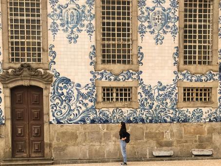 Artista produz azulejos e preenche vazios de fachadas portuguesas