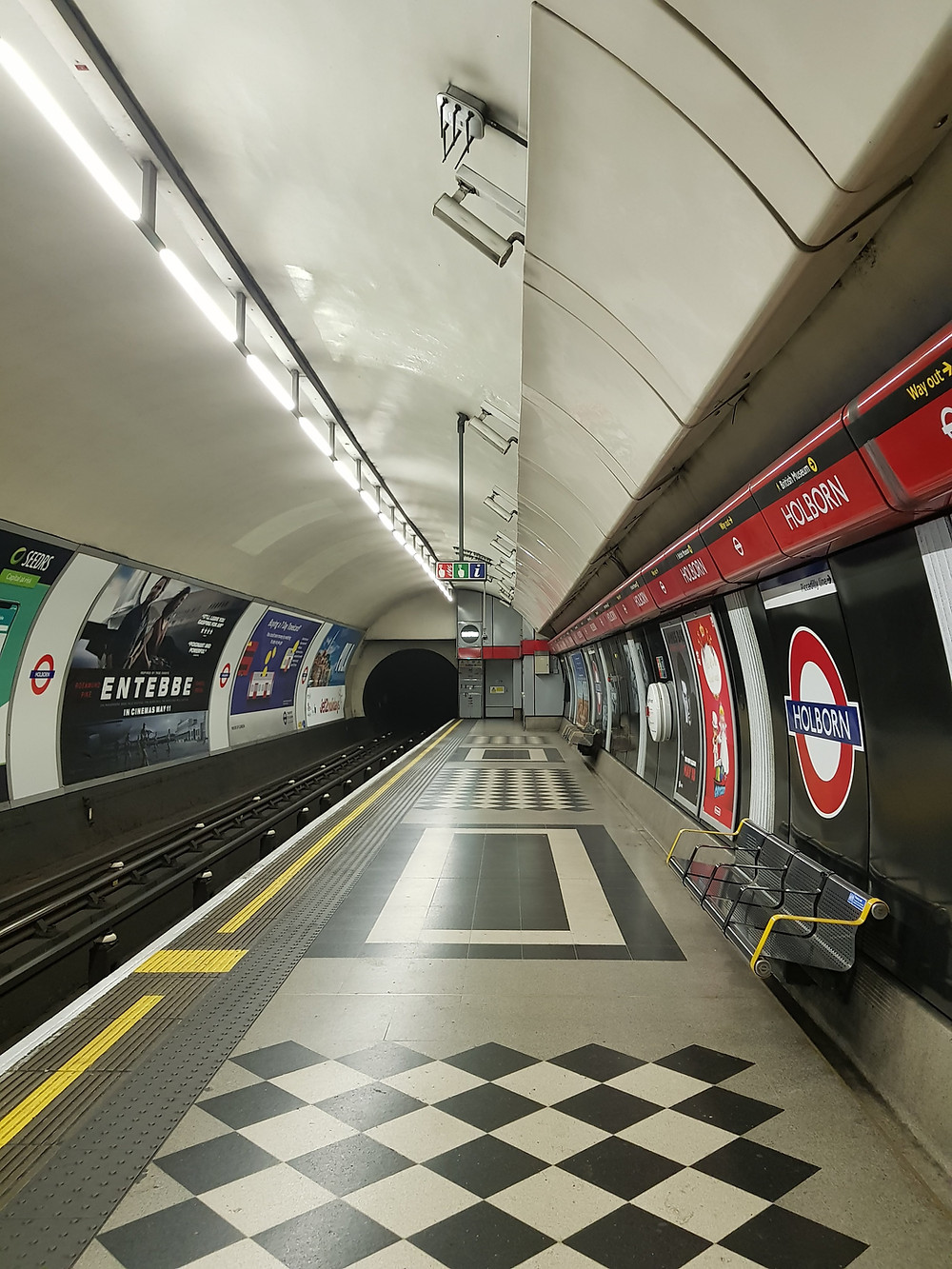 Estação de metrô Holborn