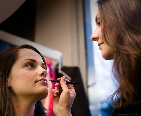 Elodie Montant Maquilleuse professionnelle spécialiste du maquillage de mariée Make-up Artist Annecy Genève Haute-Savoie 74