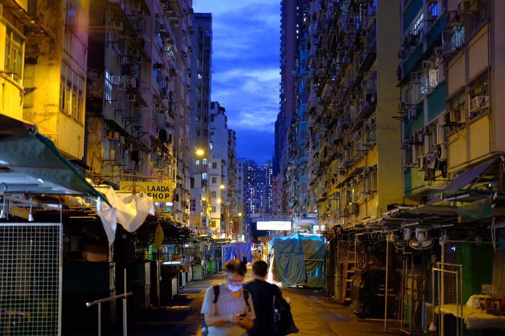 # 6 點後香港