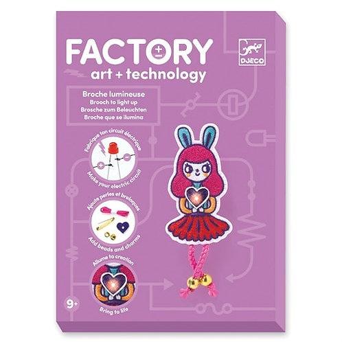 Broche lumineuse Bunny Girl - FACTORY ART+ TECHNOLOGY