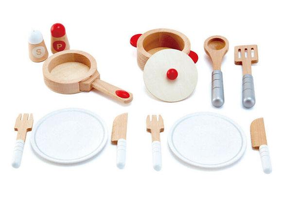 Dinette en bois pour cuisiner et servir - HAPE