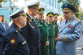 v-moskve-v-ekaterininskom-parke-otkryli-pamjatnik-oficerskim-zhenam-b9d57c9.jpg