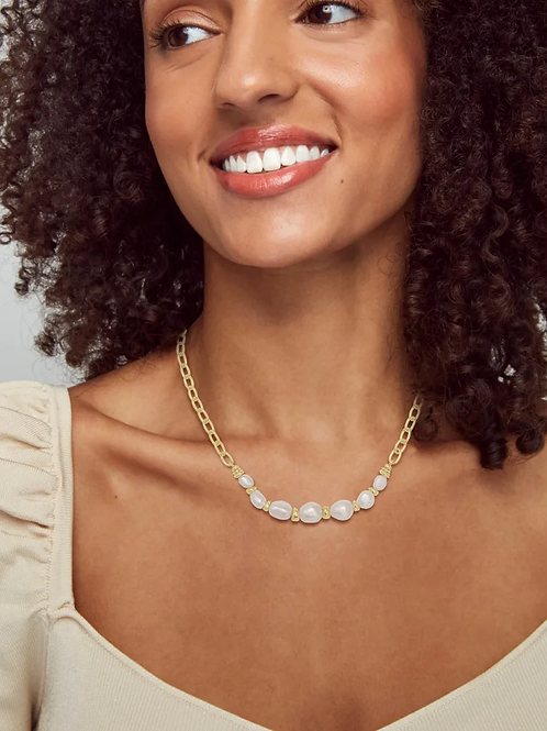 Kendra Scott Demi Gold Chain Necklace In White Baroque Pearl