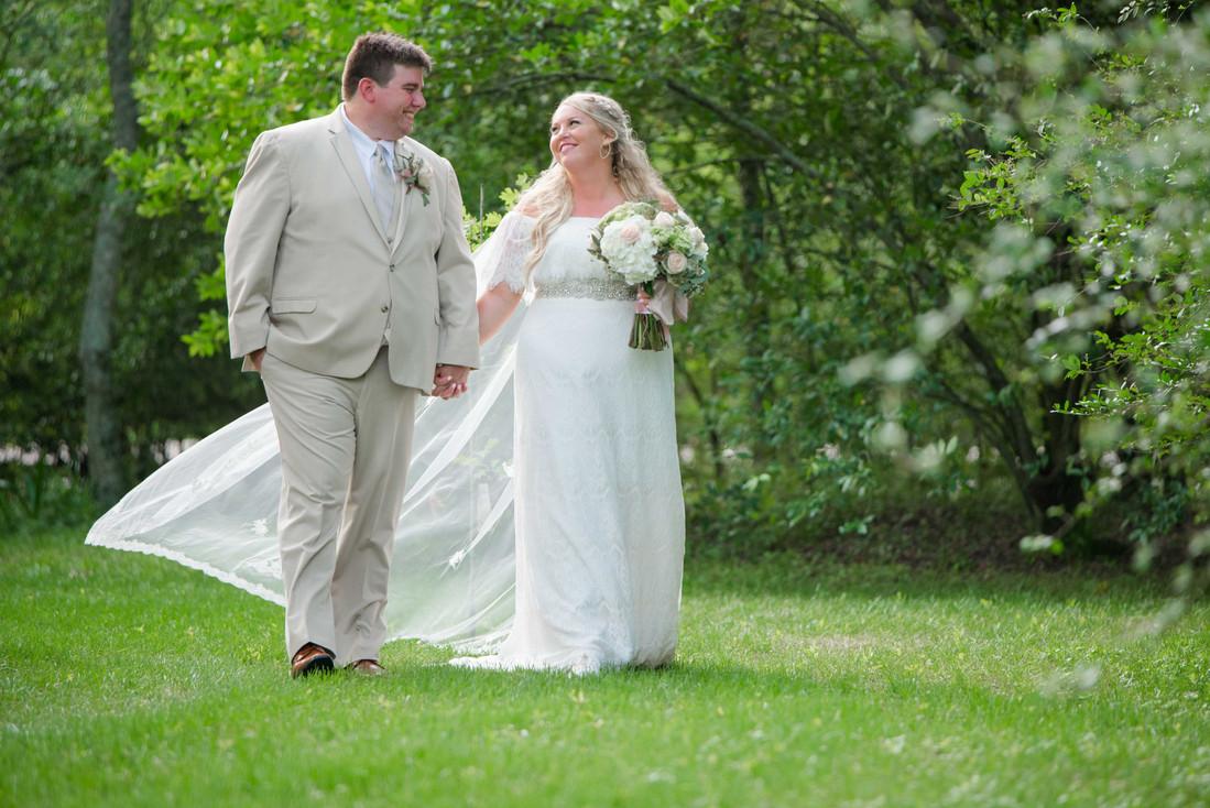 L&R Wedding Couple-39.jpg