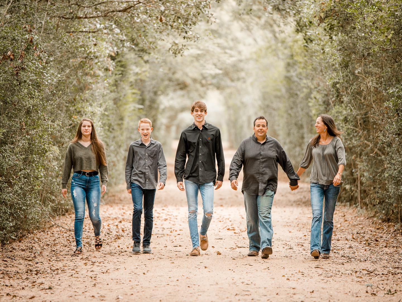 Family in forest-1.jpg