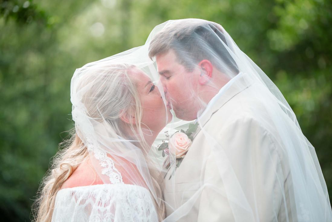 L&R Wedding Couple-59.jpg