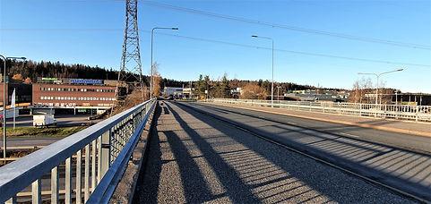 Petikko, kolmosen ylitse johtava silta