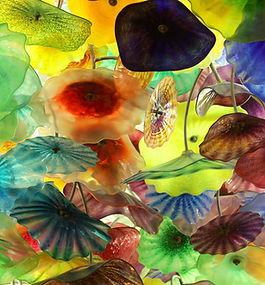 カラフルな吹きガラスの花