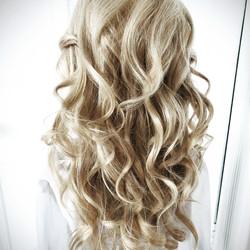Textured loose waves bridal hair
