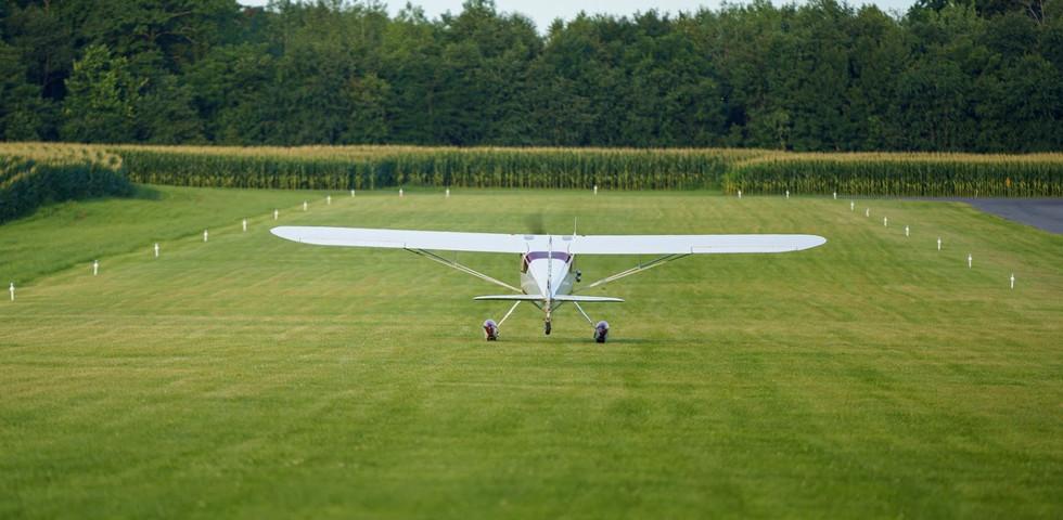 Cessna 140 Landing 9