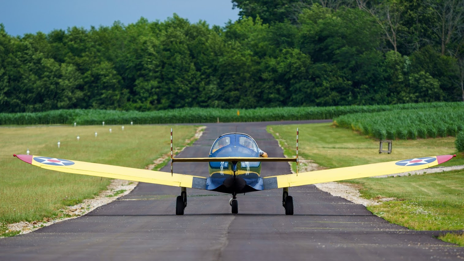 Ercoupe Taxiing Staggerwing Ln