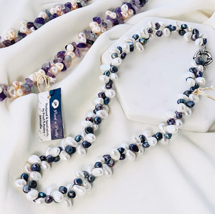 Twist Pearl Necklace