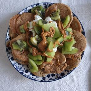 Mini pancakes con kiwi