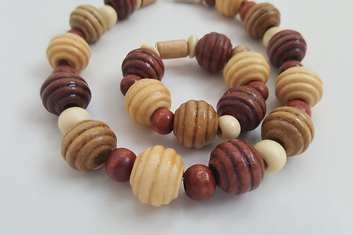 African Burgundy and Cream Necklace Bracelet Set