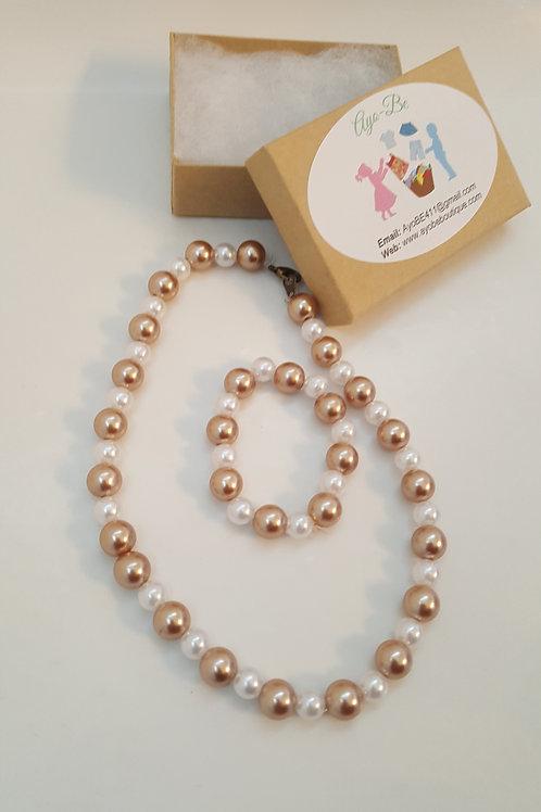 Nefertiti White and Champagne Jewelry Set