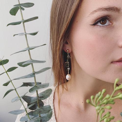 VINCA Earrings - Coin Pearl