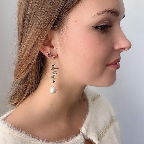 VINCA Earrings - White Pearl