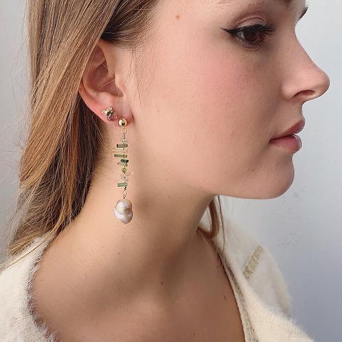 VINCA Earrings - Potato Pearl