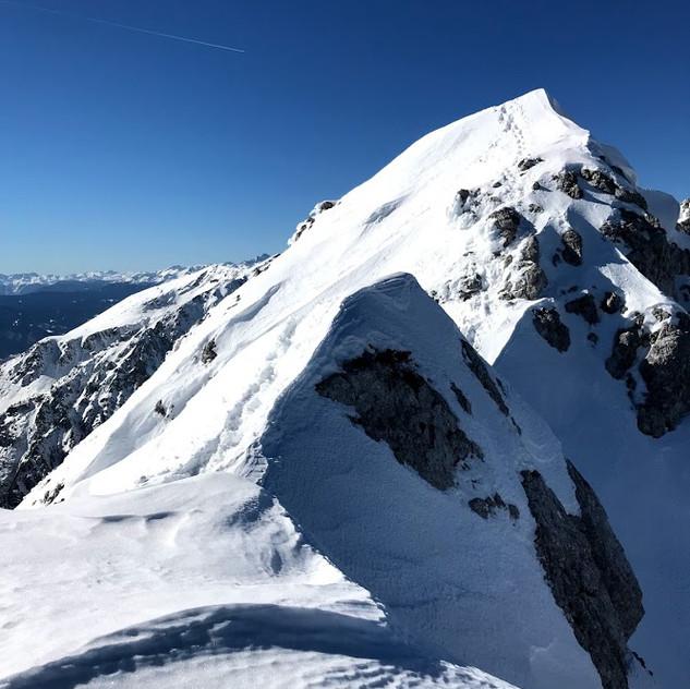 Po grebenu na vrh