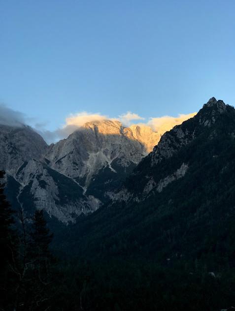 Oblački se nabirajo nad Tursko goro