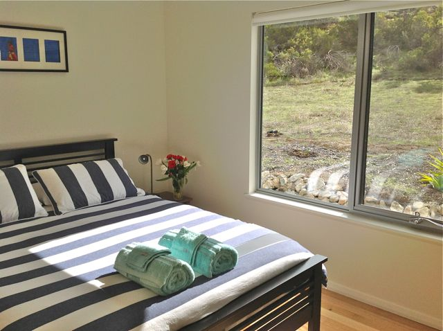 emu bay accommodation bedroom 1