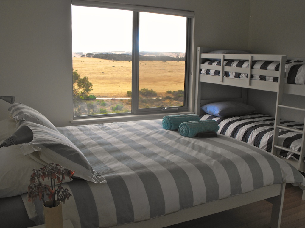 emu bay accommodation bedroom 2