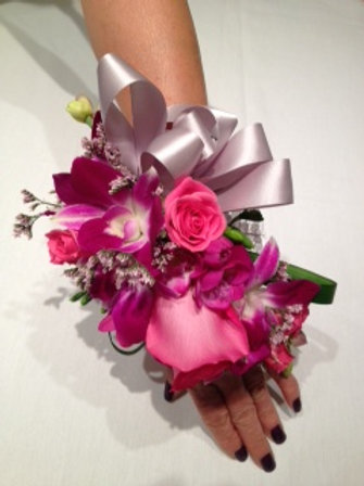 Hand Corsage (WE 009)
