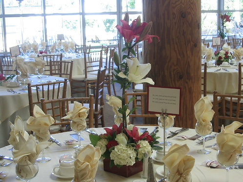 Flower arrangement for guest table (WE 013)