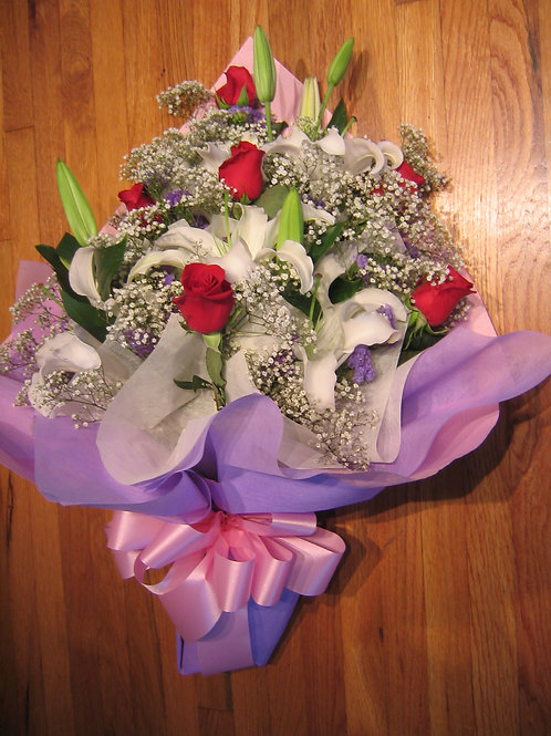 White Lilies with red Rose (HK 009)