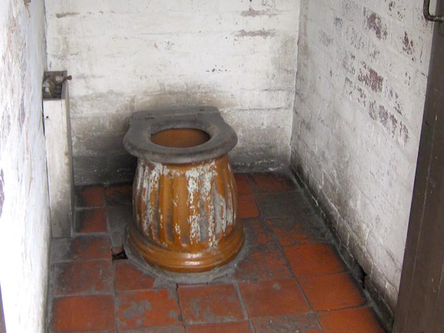 Automatic flushing toilets