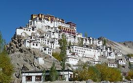 monastery-397885_1920.jpg