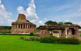 Durga_temple_exterior_view,_Aihole_Hindu