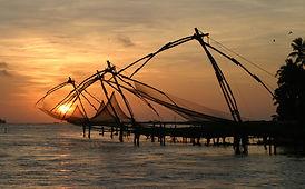 Chinese_Fishing_Nets_Cochin.jpg