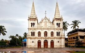 The-Roman-Catholic-Basilica-of-Santa-Cru
